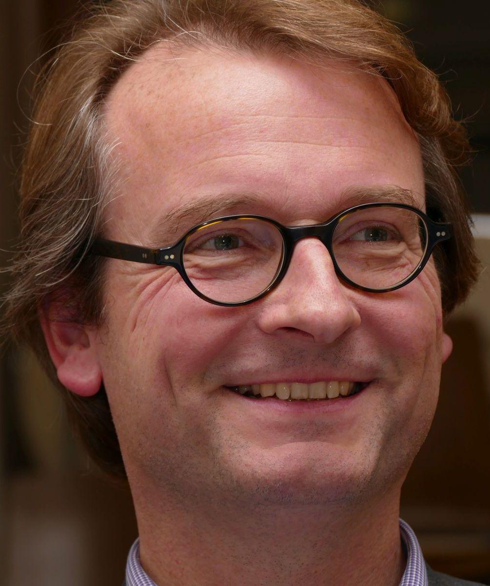 Dr. Jan Riel